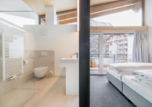 Badezimmer und Schlaffzimmer